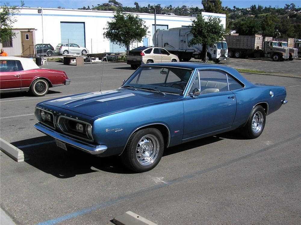 1967 PLYMOUTH BARRACUDA had one of these too w/ the 273 commando ...