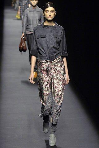 Dries Van Noten Fall 2007 Ready-to-Wear Fashion Show - Ana Mihajlovic
