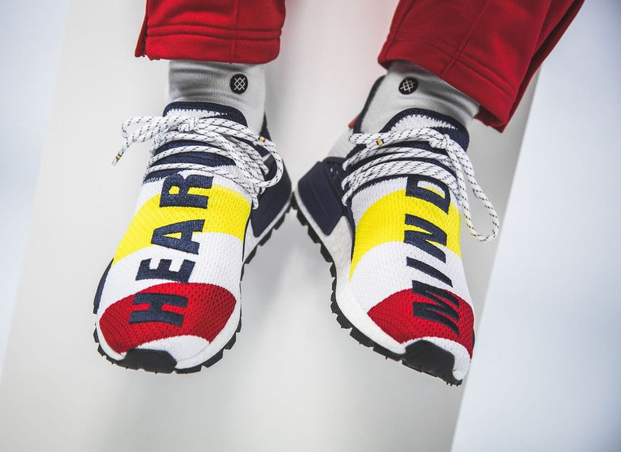 Pharrell Williams BBC Adidas NMD Human Race blanche bleu