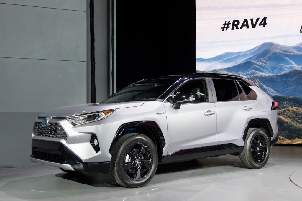 2019 Toyota Rav4 Release Date Price Redesign Interior In 2020 Toyota Rav4 Hybrid Toyota Hybrid Rav4 Hybrid