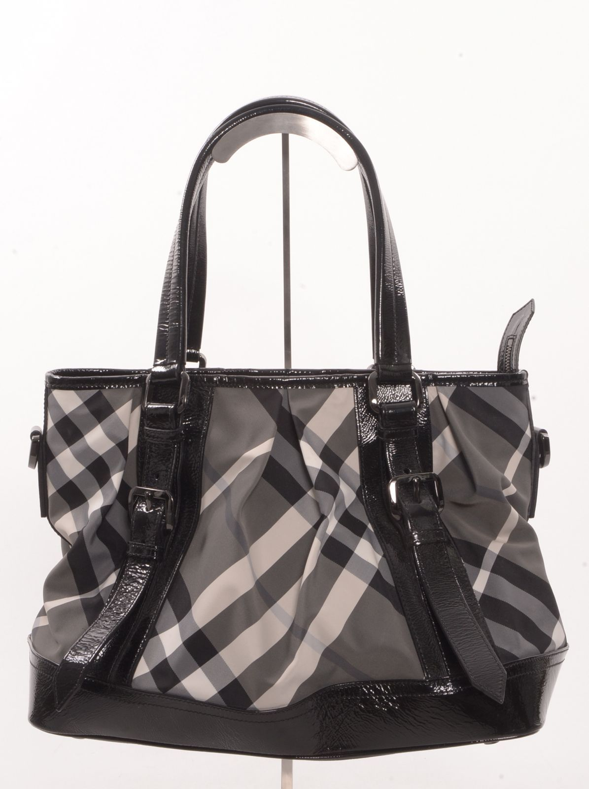 a8b1eba2d412 Authentic Burberry Black Patent Leather   Gray Nova Large Tote Price    575.00 100% Guaranteed