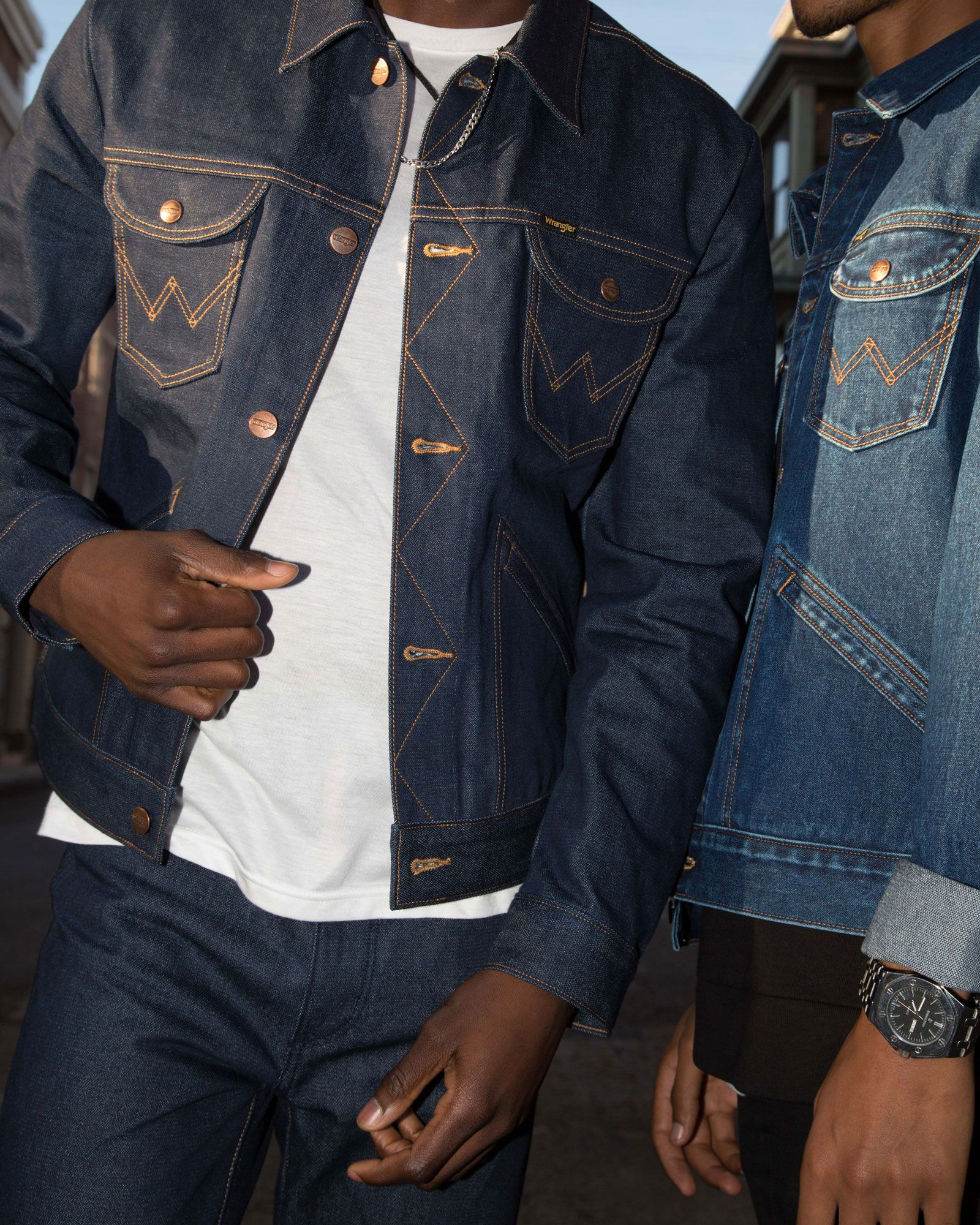 Wrangler Icons 124mj Men S Denim Jacket Men S Jackets Outerwear Wrangler Denim Jacket Men Denim Jacket Pants Outfit Men [ 2000 x 1600 Pixel ]
