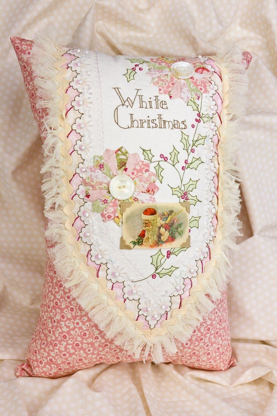White christmas pillow ladybirdus pins pinterest christmas