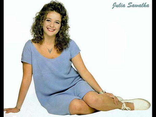 julia sawalha net worth