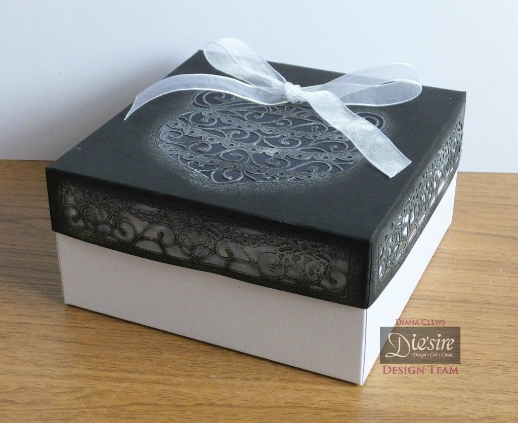 Tutorial of the Month - August 2016 - Christmas Gift Box - Diana Clews - #crafterscompanion