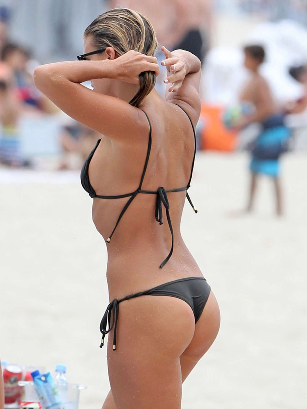 Hot Natasha Oakley naked (46 foto and video), Tits, Cleavage, Instagram, braless 2006