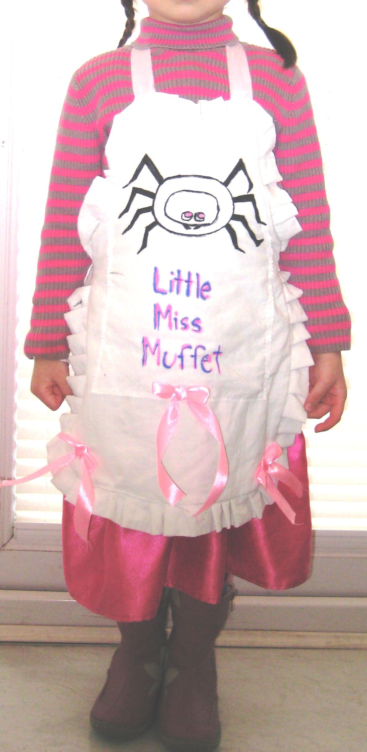Handmade Diy 20min Little Miss Muffet Apron Made With What You Have In Your Home This Is From A Bedshe Little Miss Muffet Costume School Crafts Little Miss