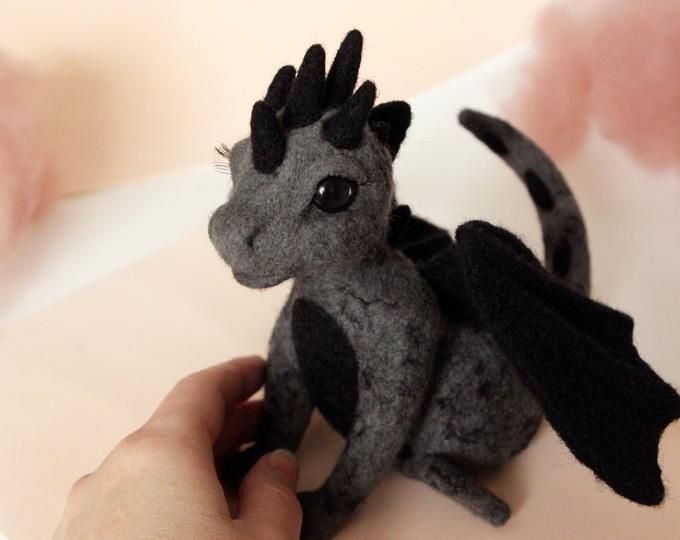 Dark dragon, needle felted wyvern sculpture, game of throne gift, gothic home decor, fantasy creature, dungeons and dragons