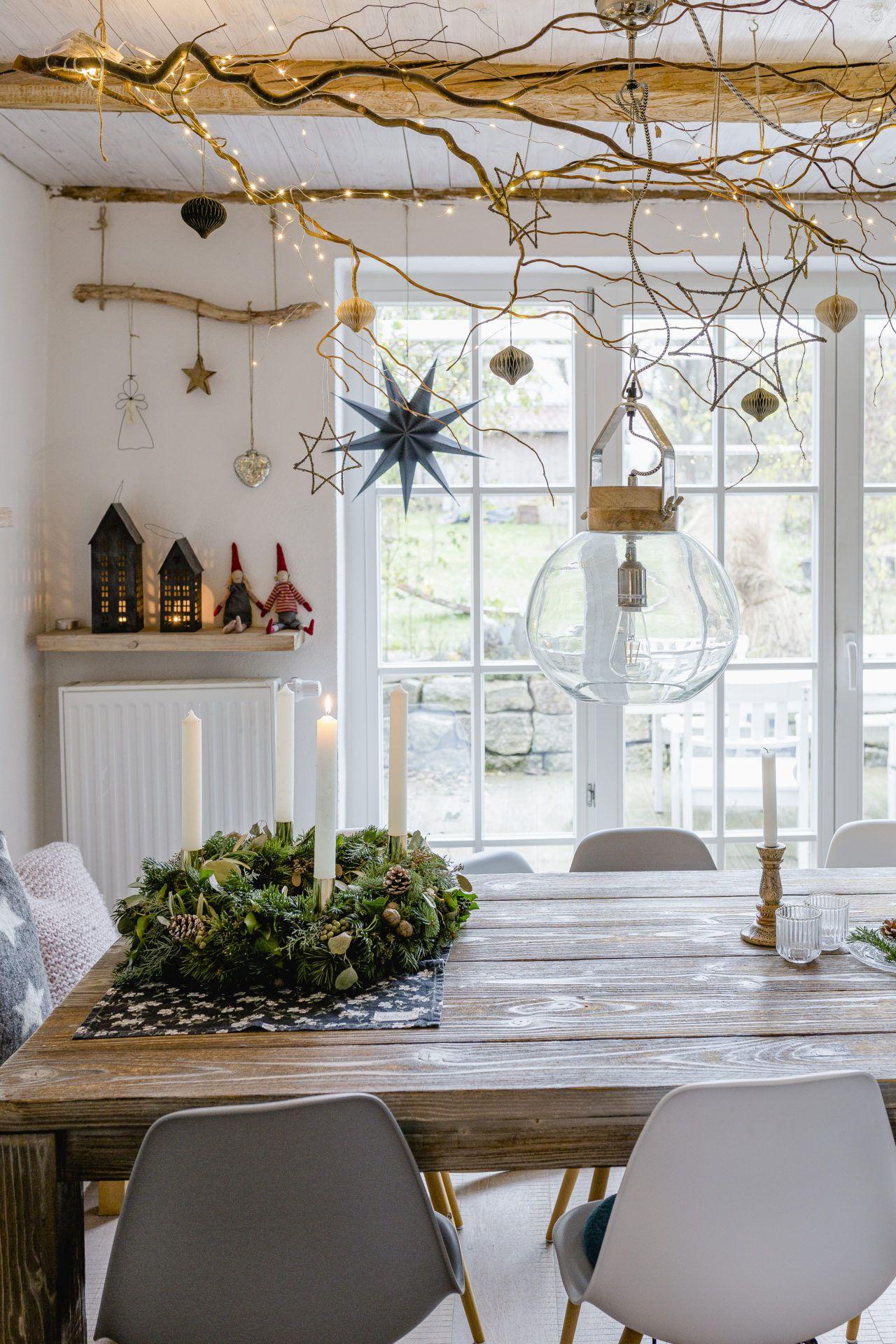 Photo of Vom Adventskranz, Weihnachtsdeko und einem neuen Sofa • Pomponetti