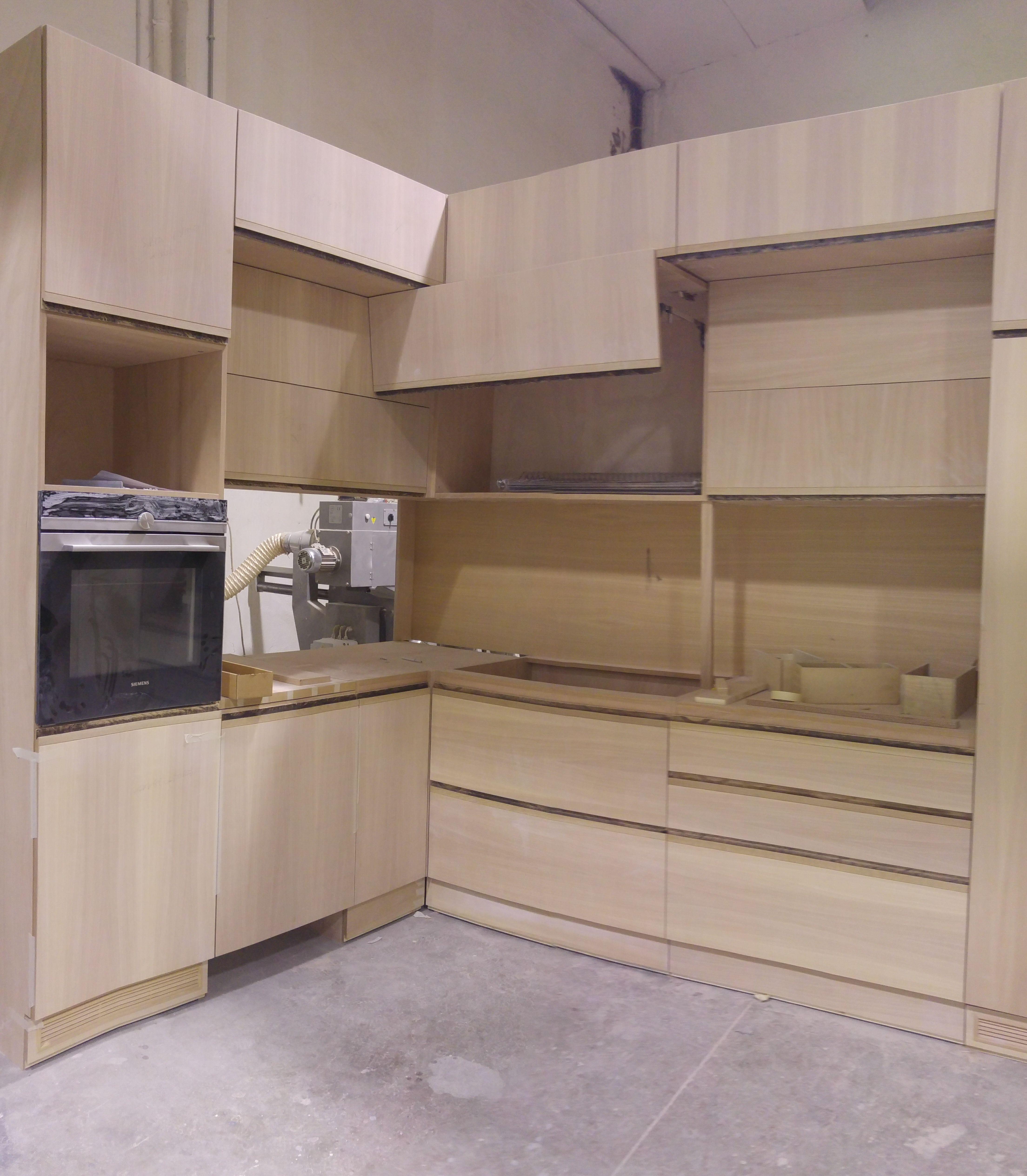 cucina su misura al grezzo in falegnameria pronta da laccare: bianco ...