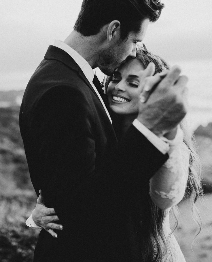 Stirnküsse Wir möchten uns bei Ihnen bedanken, wenn Sie diesen Beitrag an ... - #bedanken #bei #Beitrag #diesen #Ihnen #möchten #Sie #Stirnküsse #uns #Wenn #wir #bridepictures