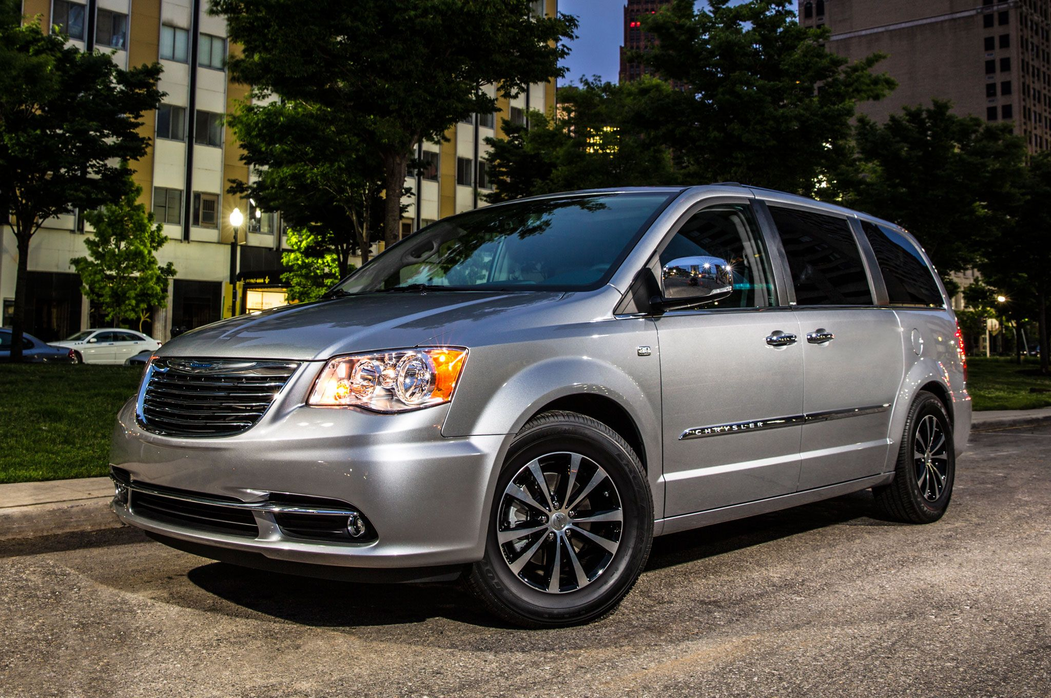 2014 Chrysler Town and Country (With images) Chrysler