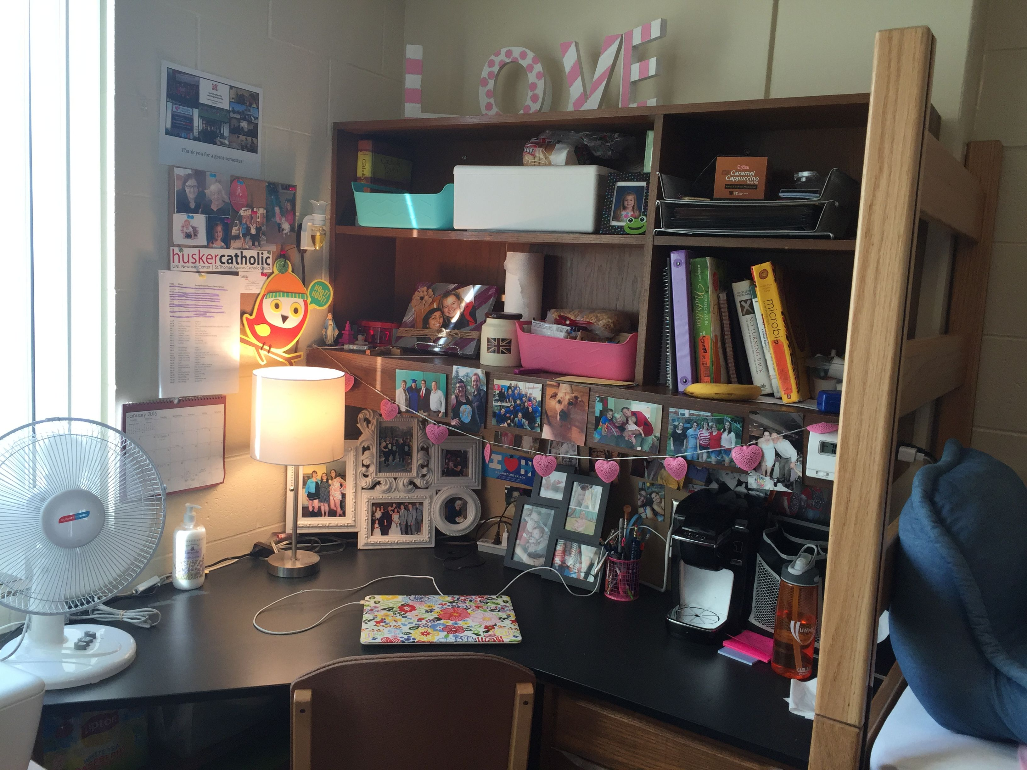 1 dorm 2 ways dorm room deskdorm - Dorm Room Desk Ideas
