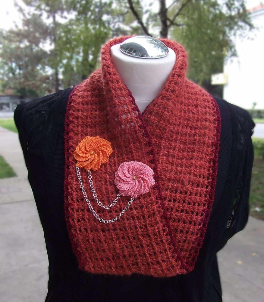 HANDMADE cowl scarf , infiniti scarf NEW , flower scarf, chain scarf #Handmade #CowlInfinity