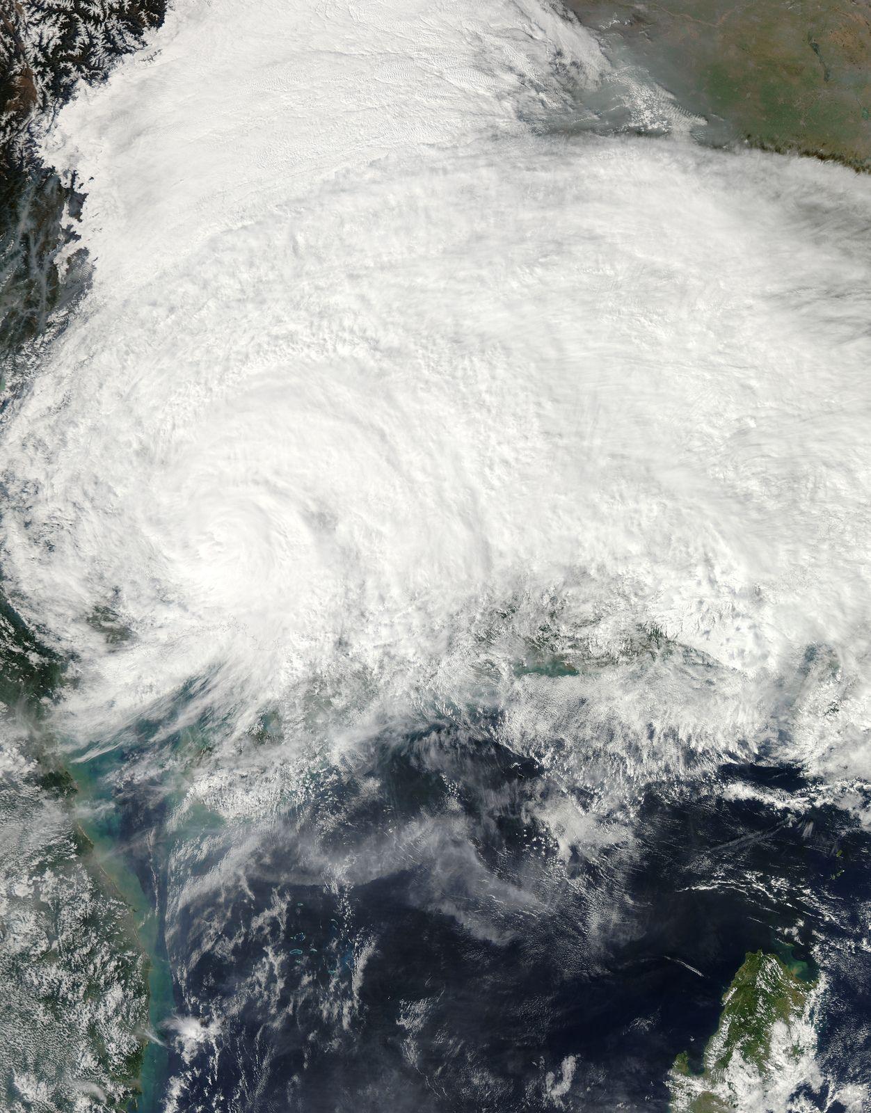 Tropical Storm Haiyan Makes Landfall In Northern Vietnam Solar System Exploration Nasa Images Nasa Goddard