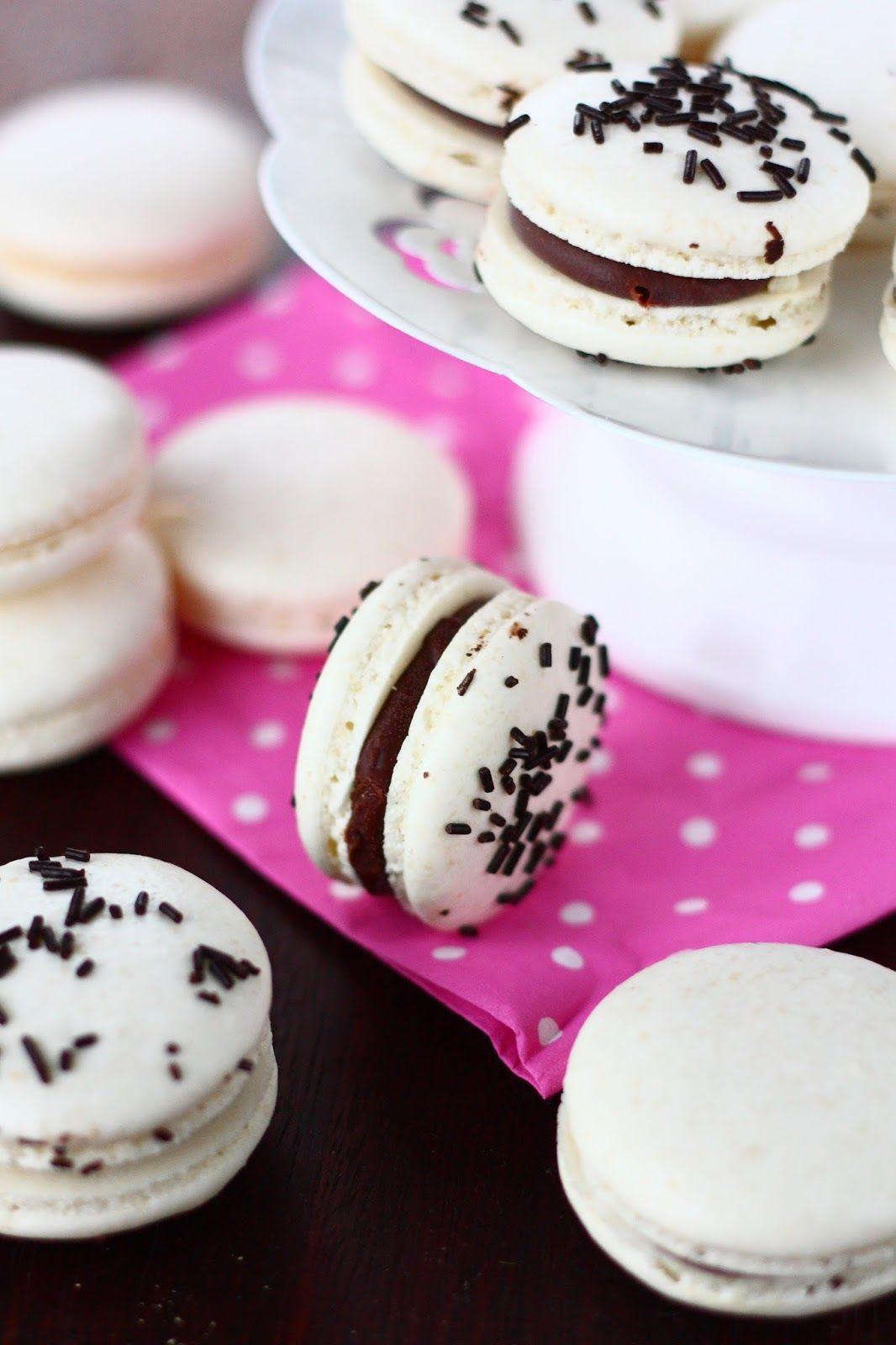 Suklaapossu: Helpot macaronit piparminttu-suklaatäytteellä