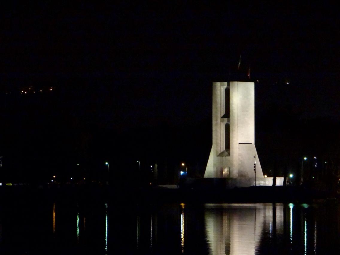 #monumentoaicaduti
