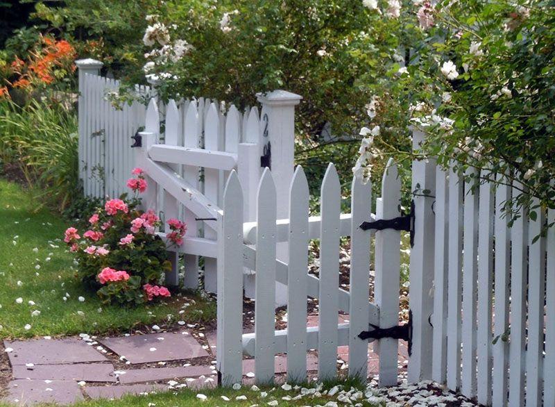 40 Best Garden Fence Ideas Design Pictures White Garden Fence