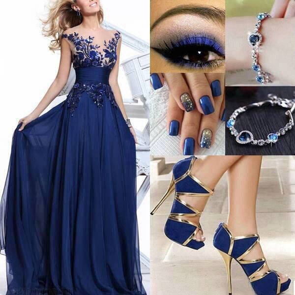 Outfit vestido de noche azul marino