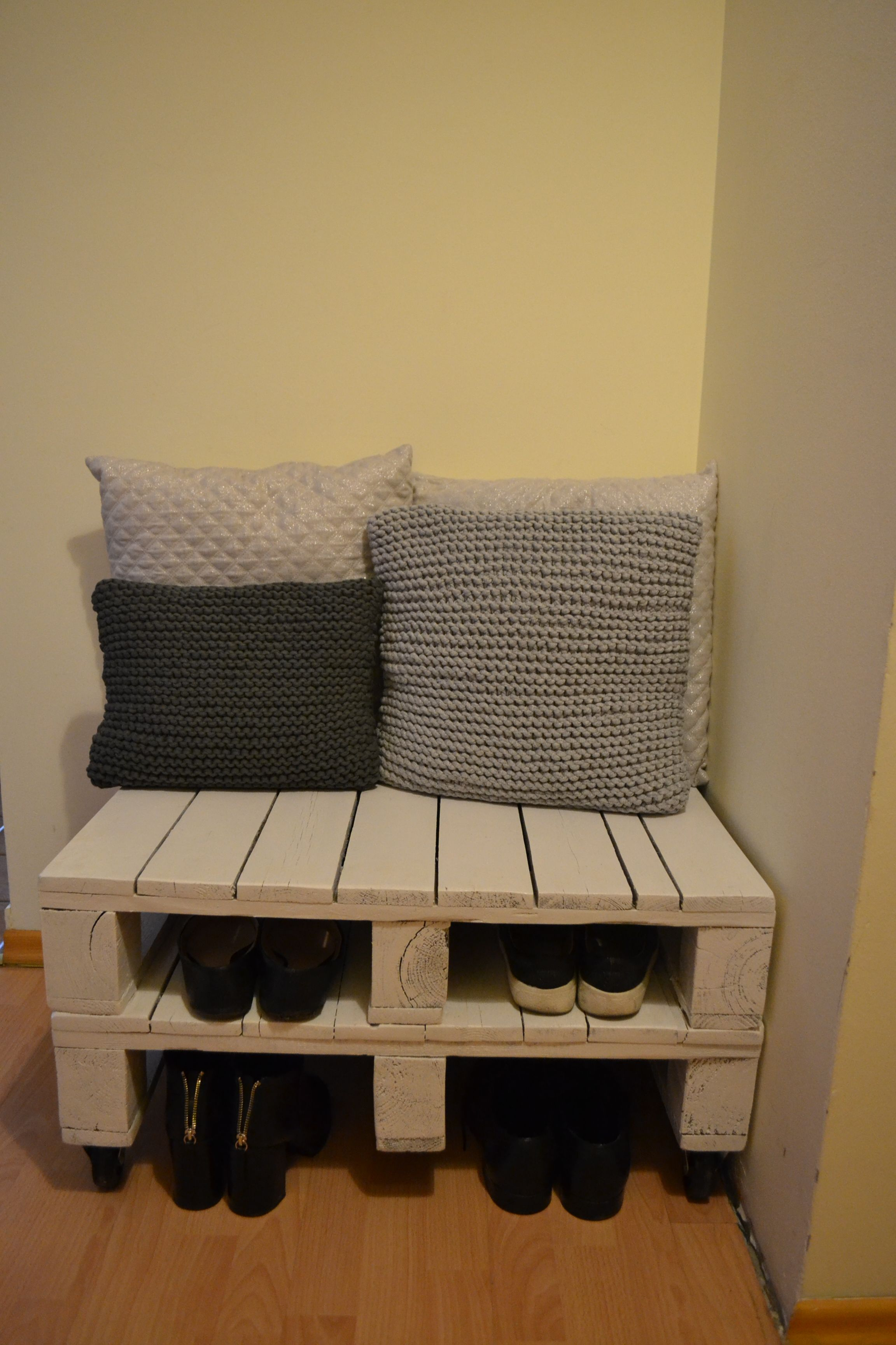 Szafka Na Buty Z Palet Home Decor Decor Home