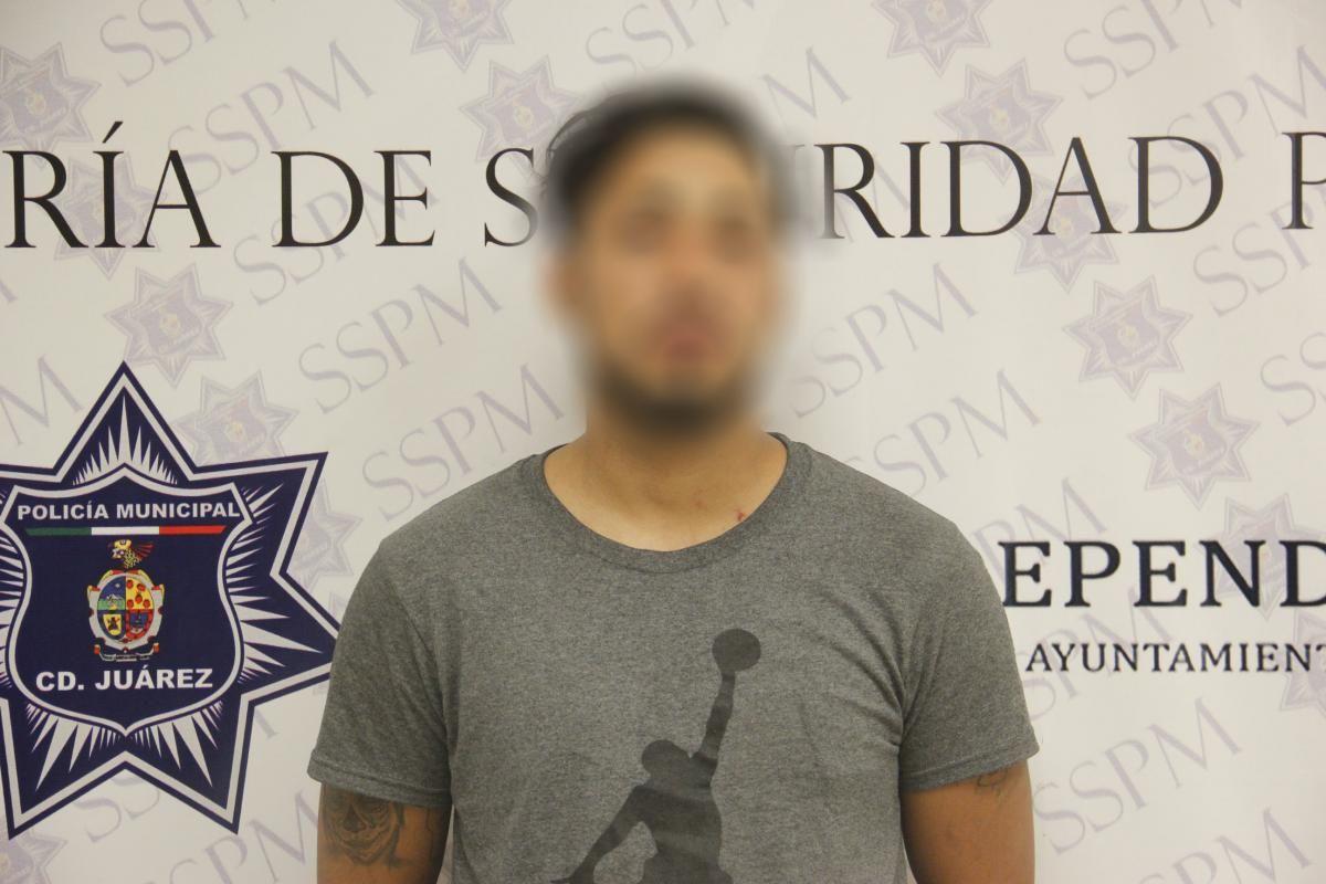 <p>Ciudad Juárez, Chih.- Elementos de la Policía Municipal detuvieron en flagrante delito a Fernando G. R., por su presunta responsabilidad en