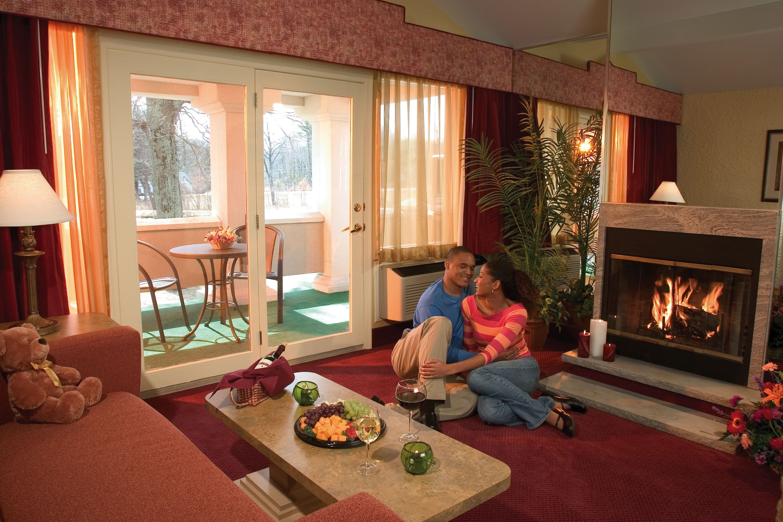 Lakeside Villa Living Room Romantic Resorts Resort Luxury Suite