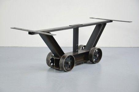 tischgestell rollbar bladewheel industrial design. Black Bedroom Furniture Sets. Home Design Ideas