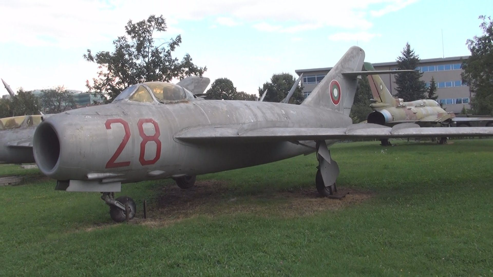 Mikoyan Gurevich Mig 17 Fighter Jets Fighter Exterior