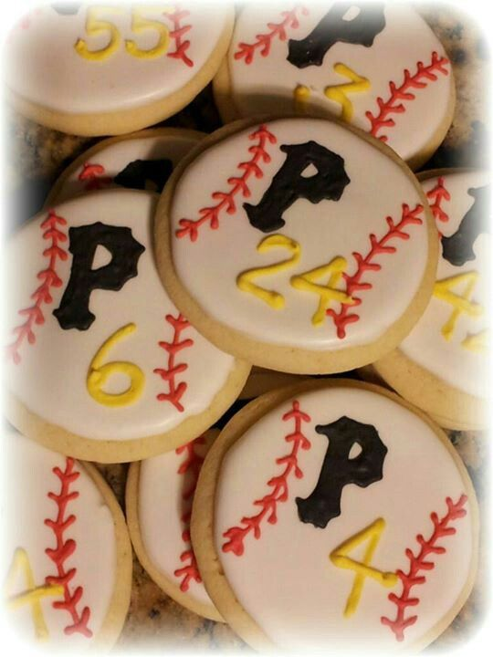 Pin By Sports Mom Survival Guide On Themed Foods Party Ideas Team Mom Baseball Baseball Theme Party Baseball Team Party
