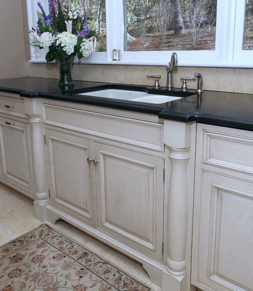 Best glazing tips for cabinets furniture adore your for Antiquing kitchen cabinets with chalk paint