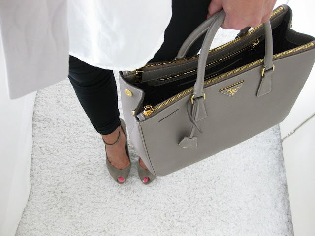 Good Work Bag Structured And Fashionable The Grey Makes It With Almost Anything