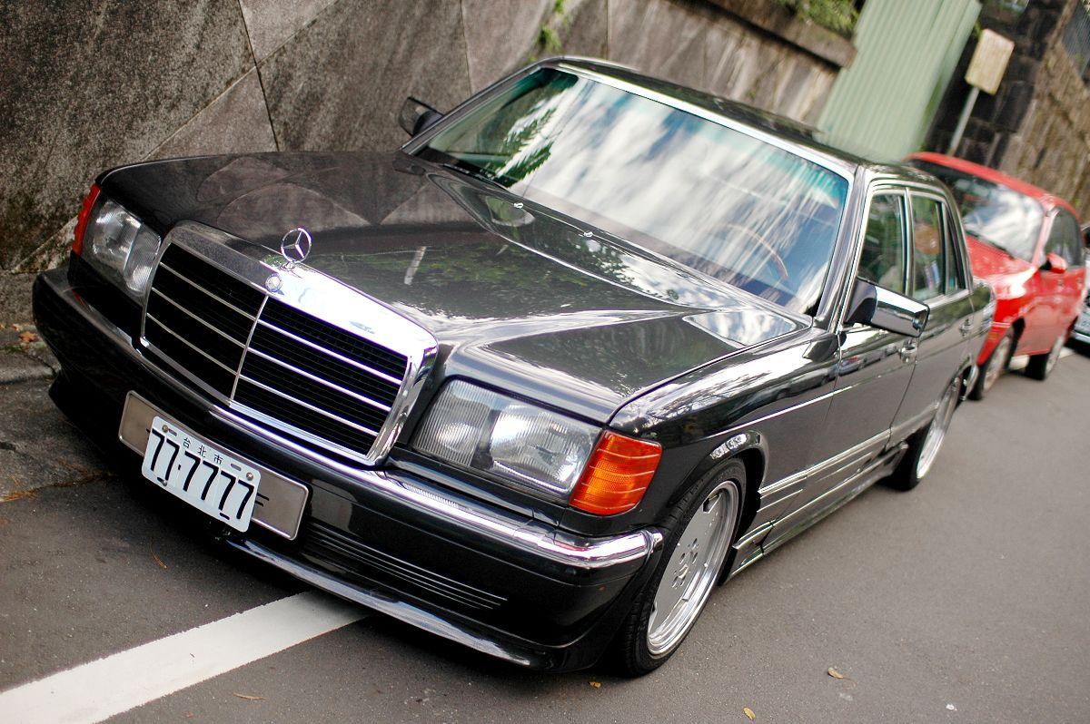 The W126 SEL