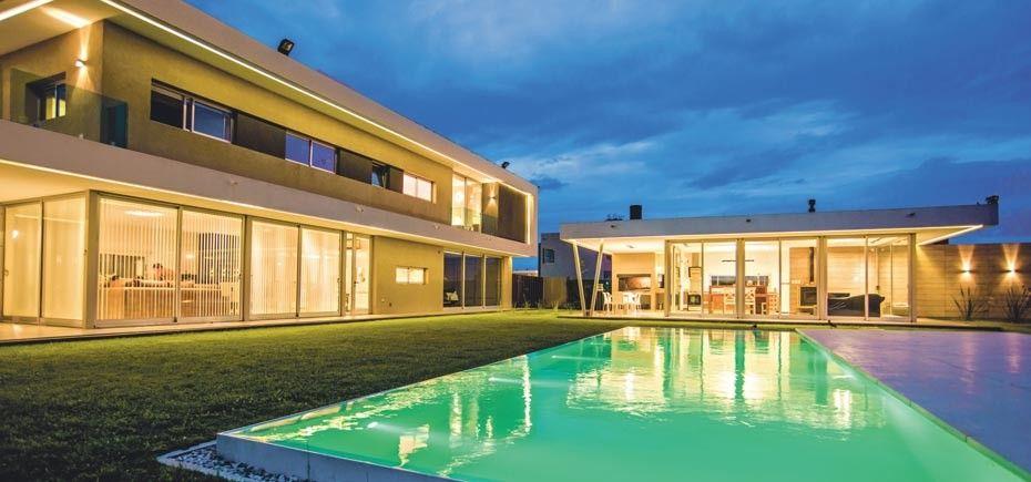 Síntesis, funcionalidad y diseño - Casas - EspacioyConfort - Arquitectura y decoración