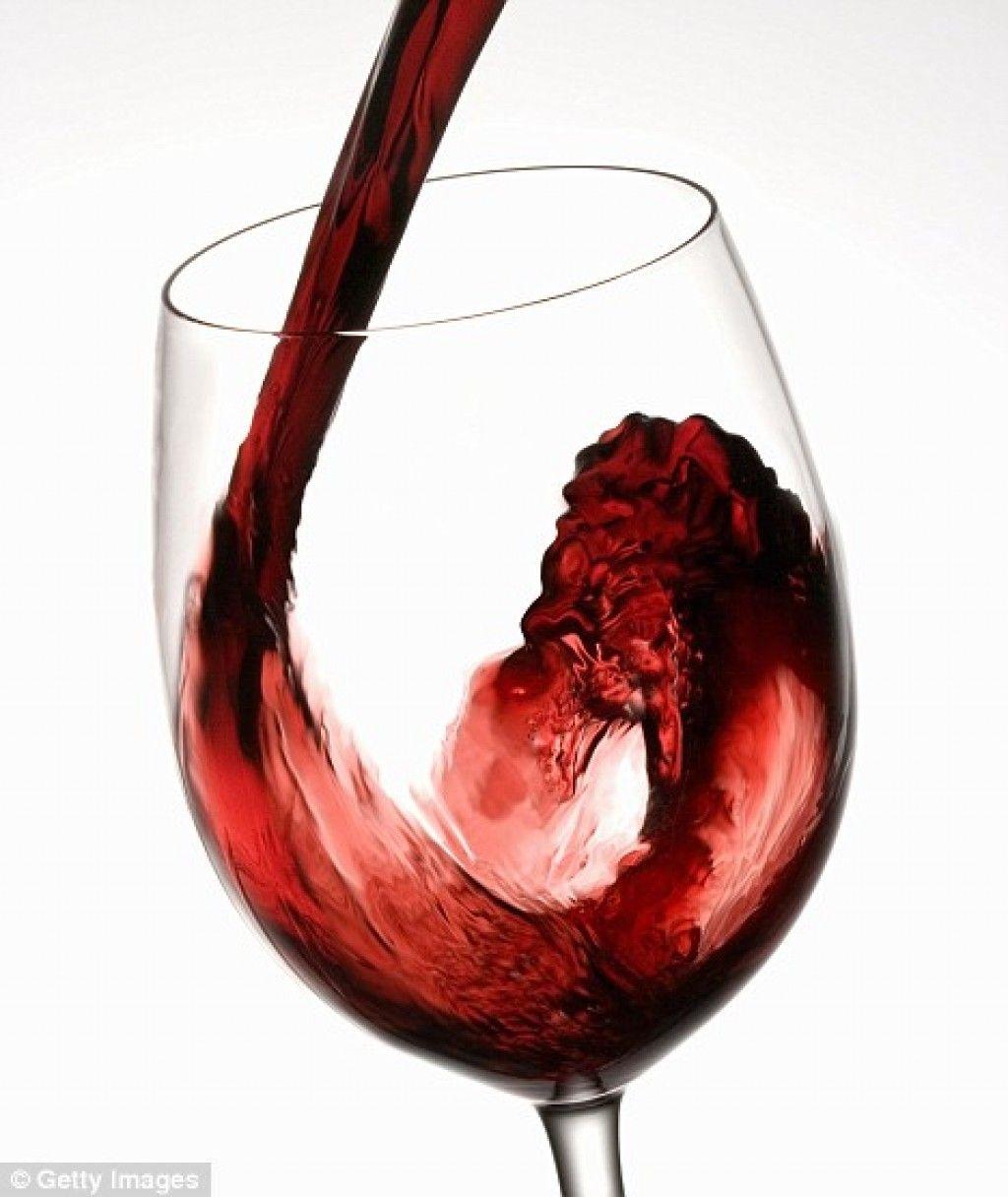 El Vino Siembra Poesia En Los Corazones Dante Alighieri Carteles De Vino Vino Copas De Vino
