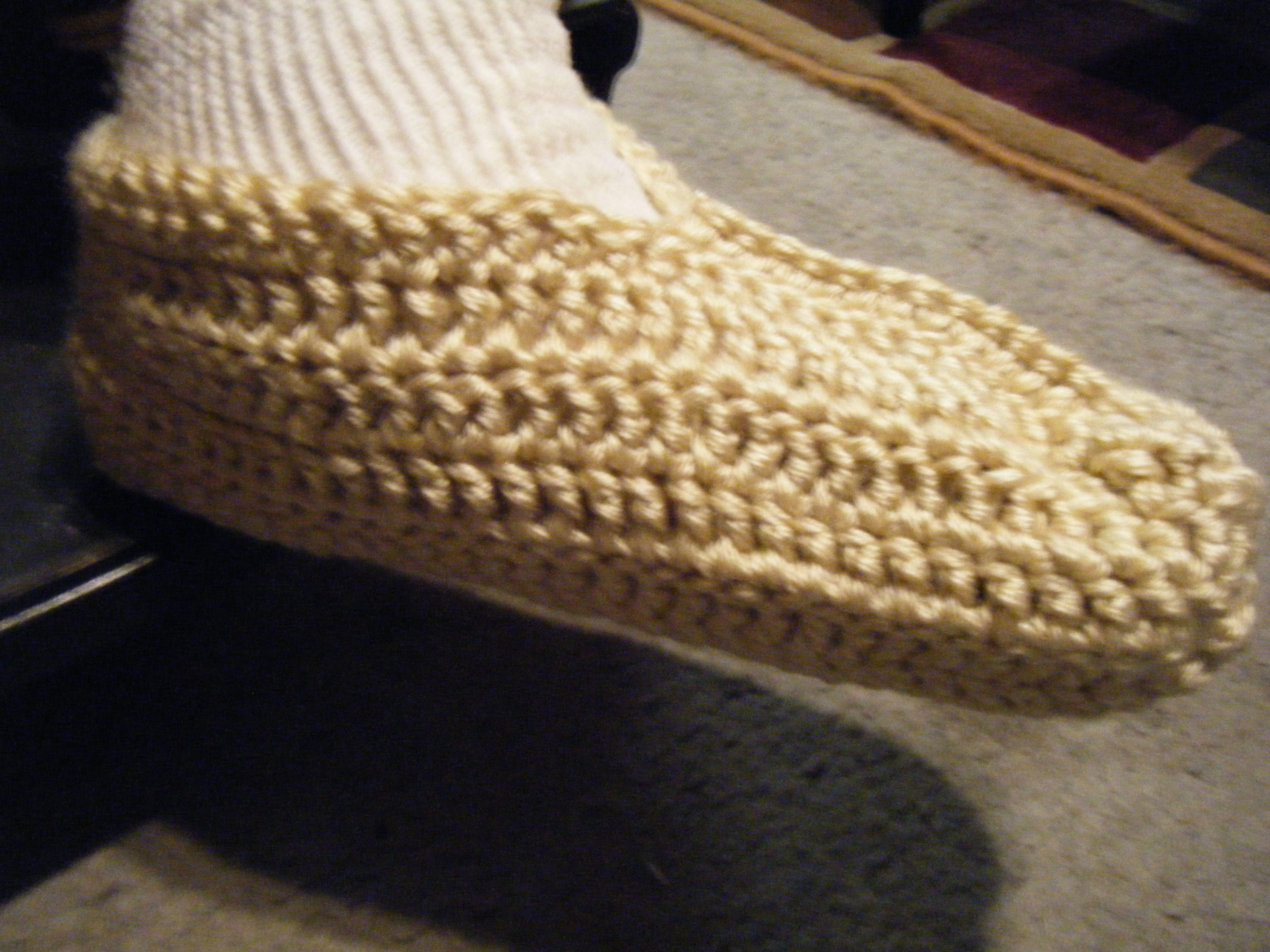 Crocheted single slipper pattern crochet easy crochet slippers crocheted single slipper pattern bankloansurffo Images