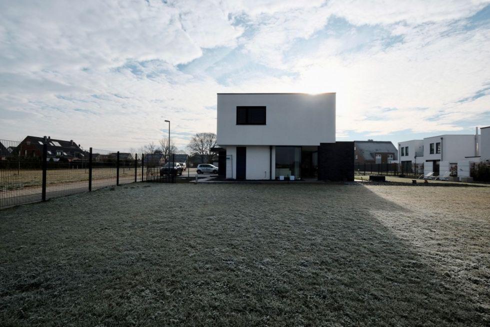 Haus_fri aprikari GmbH & Co. KG Haus, Haus bauen, Haus