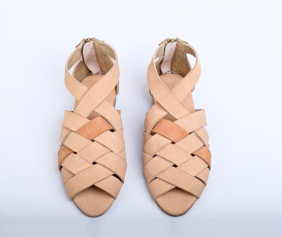 70b4a92fc 30 Sale Mayula Nude Sandals Flat Summer Shoes di abramey su Etsy ...