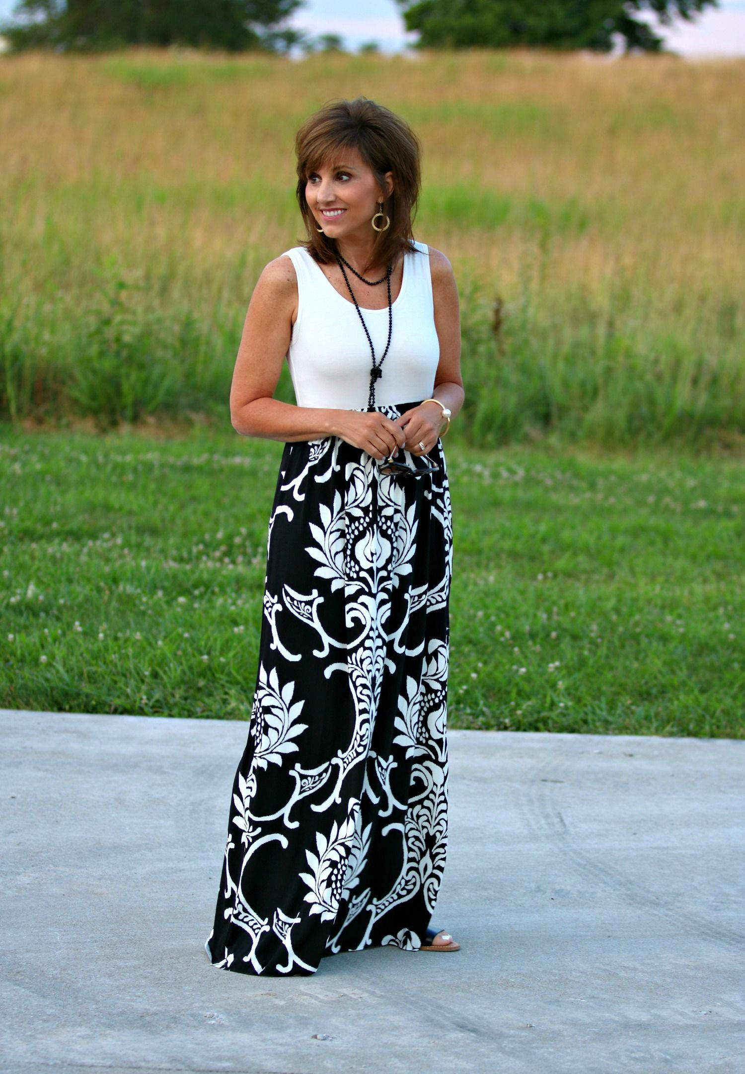 Pretty black and white maxi dress!
