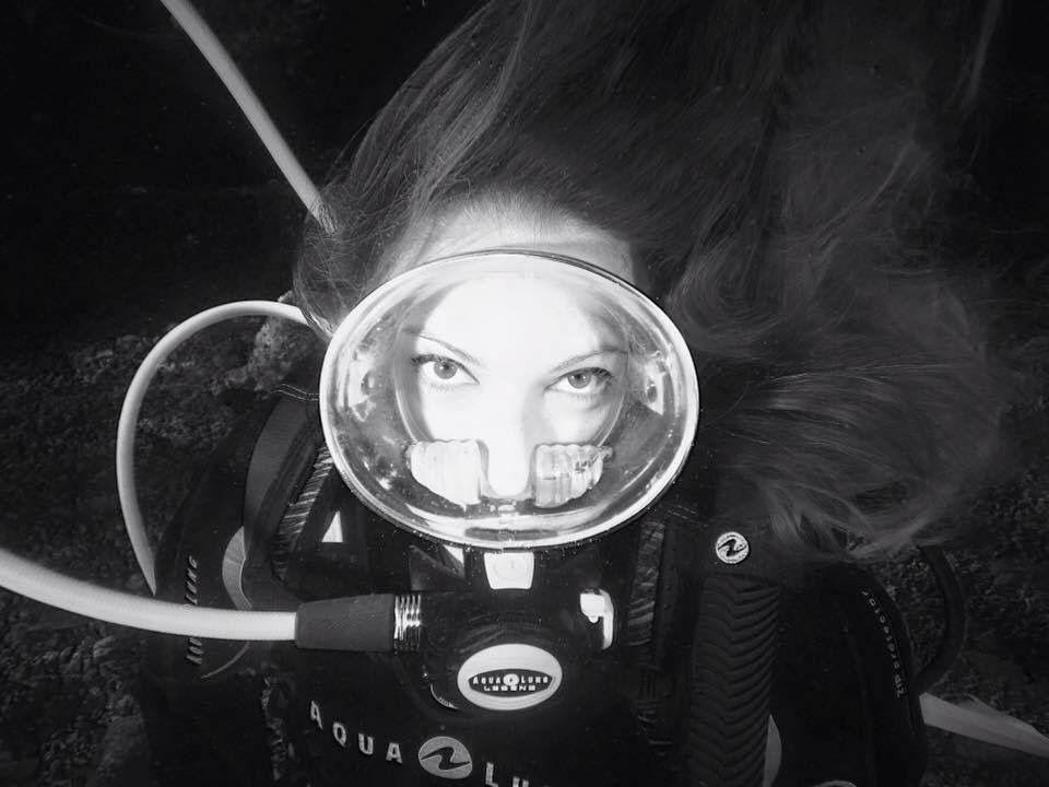 Snuba also Masque De Plong C3 A9e Sous Marine also 751608625281215614 besides Black Hawk Down 2001 furthermore 270768679855. on diving mask