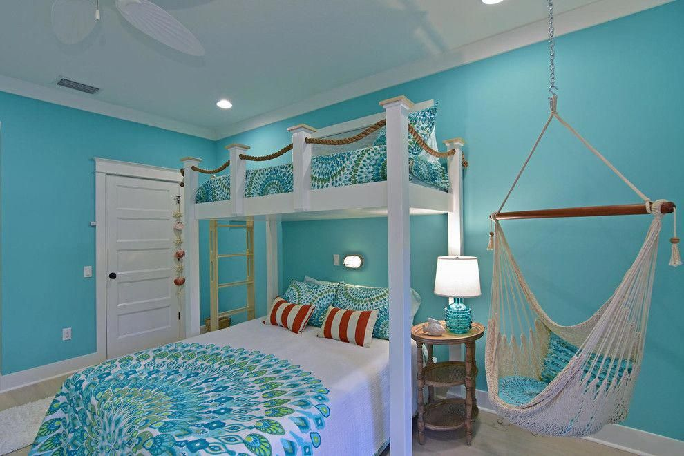 Beach Theme Room With Contemporary Decorative Pillows Bedroom