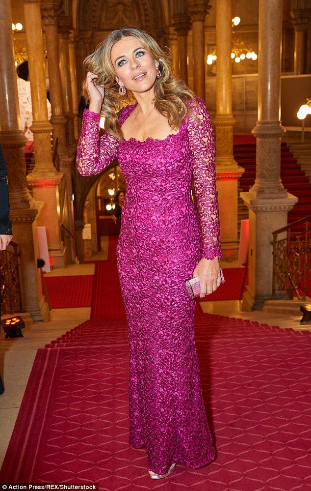 Elizabeth Hurley turns heads in fushcia gown at awards gala in ...