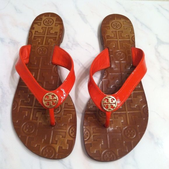 """Tory burch """"Thora"""" sandal flip flop Like new Tory Burch thora sandal. Size 7. Dark coral patent leather straps with gold logo. Awesome condition!! Tory Burch Shoes Sandals"""