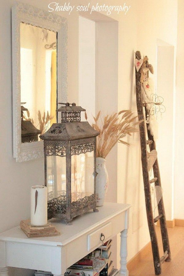 sweet cottage shabby chic entryway decor ideas wandtische leiter und flure. Black Bedroom Furniture Sets. Home Design Ideas