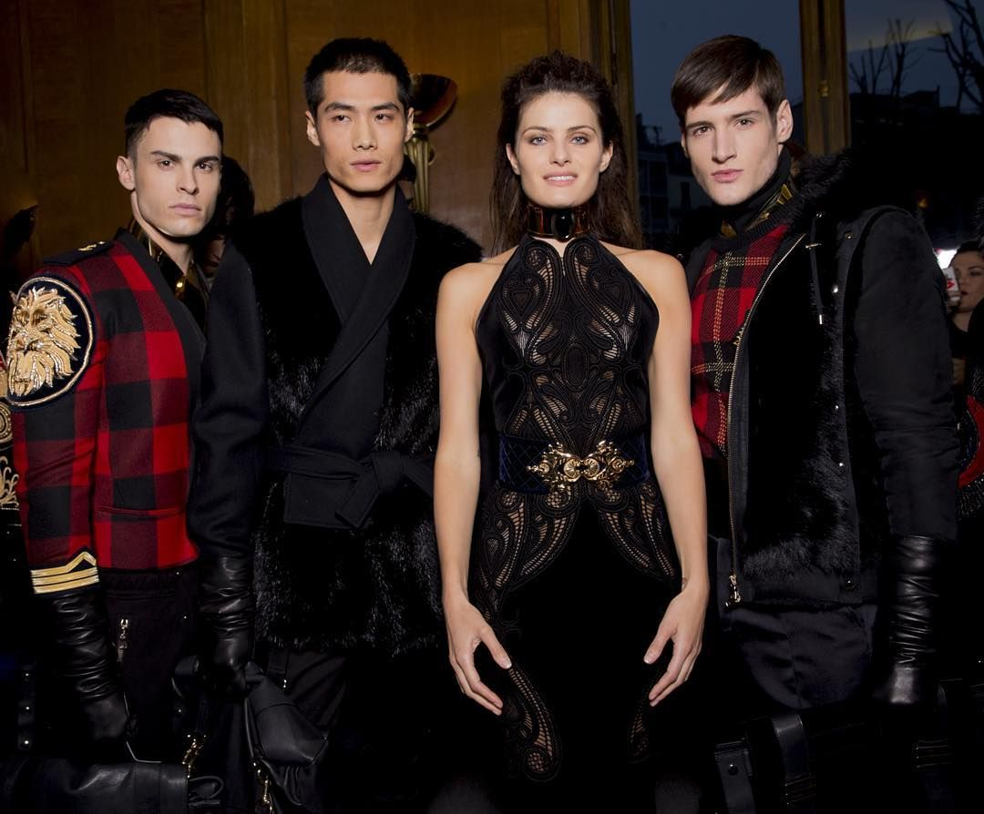 BALMAIN HOMME FALL / WINTER 2016  ##BaptisteGiabiconi #HaoYunXiang #IsabeliFontana #RyanTift backstage at the #BALMAINFW16 Mens Show  @KevinTachman  #BALMAINHOMME #BALMAINARMY by balmainparis
