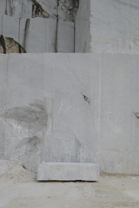 Quarrying Of Bianco Carrara Marble In The Italian City Of Carrara Used For E15 Products Such As The Enoki Side Tables Marble Design Marble Bianco Carrara