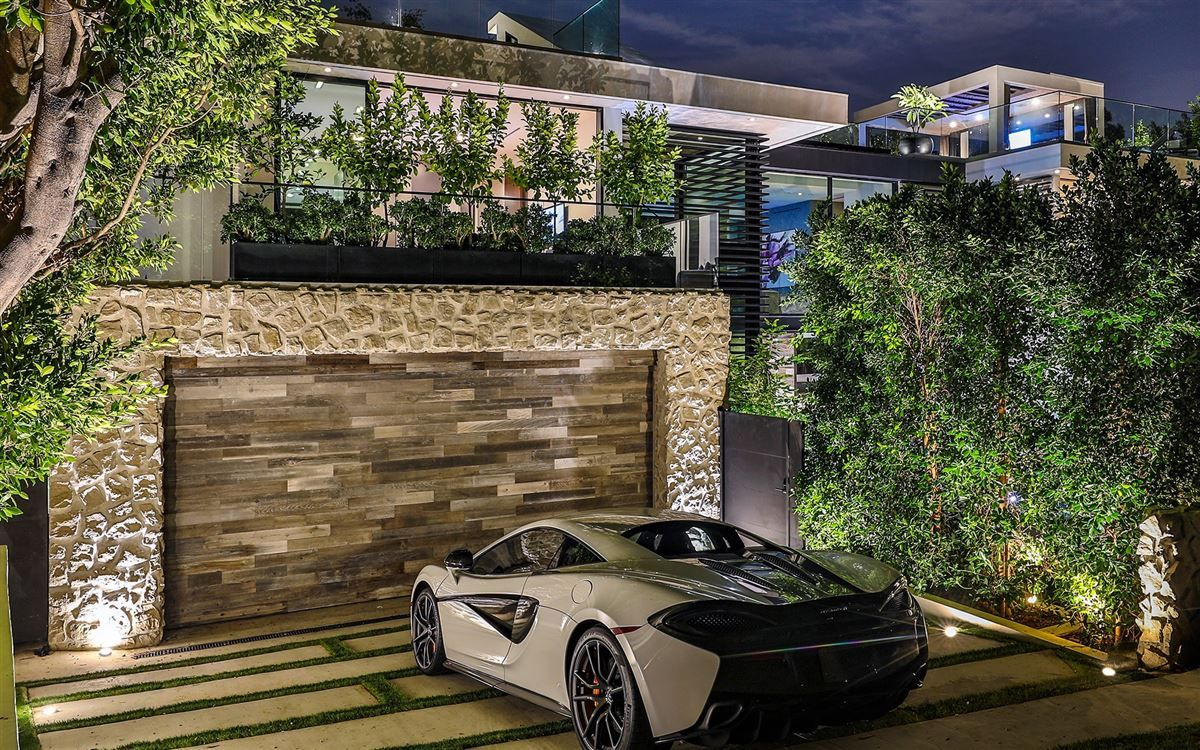 Luxury Homes This Is Opulence At Its Finest Luxury Real Estate Real Estate Los Angeles