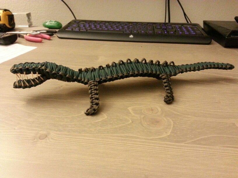 Paracord Crocodile