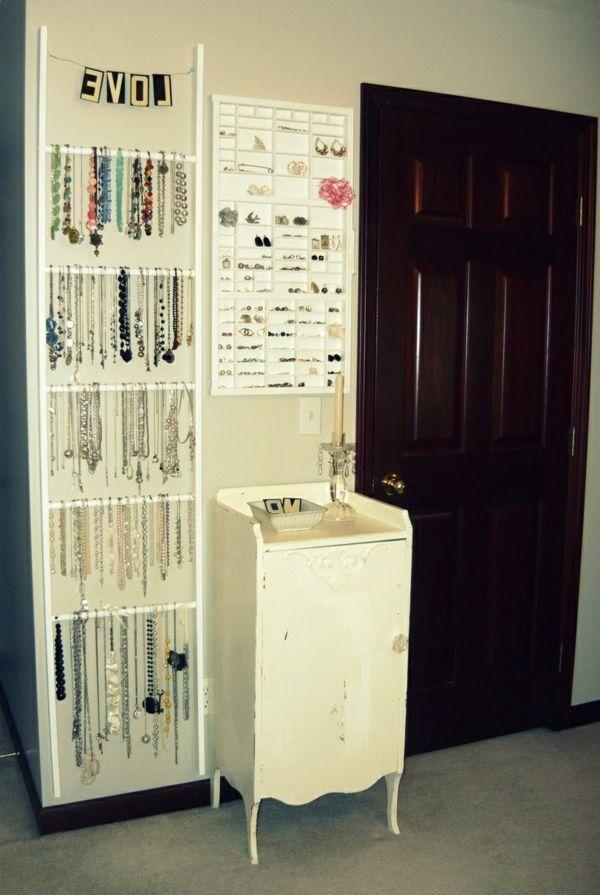wei er schmuck organizer im haus 26 super kreative. Black Bedroom Furniture Sets. Home Design Ideas