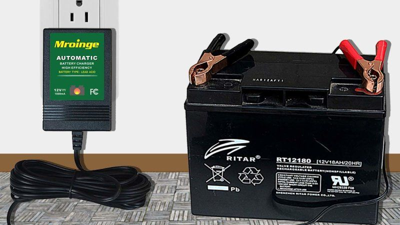 Batteries For Less >> This Charger Can Top Off Your Car Batteries For Less Than