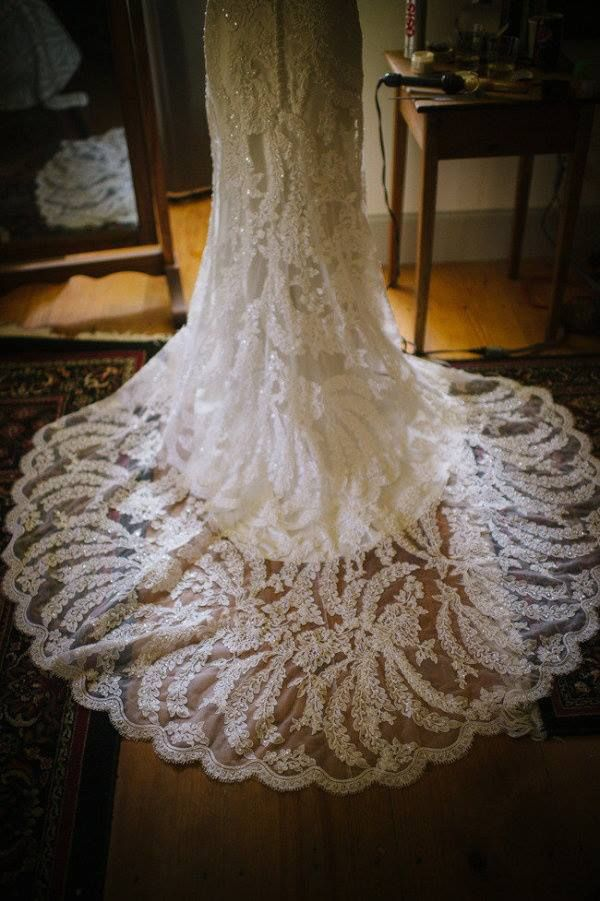 Lace Wedding Gowns   Calligraphy by Jennifer